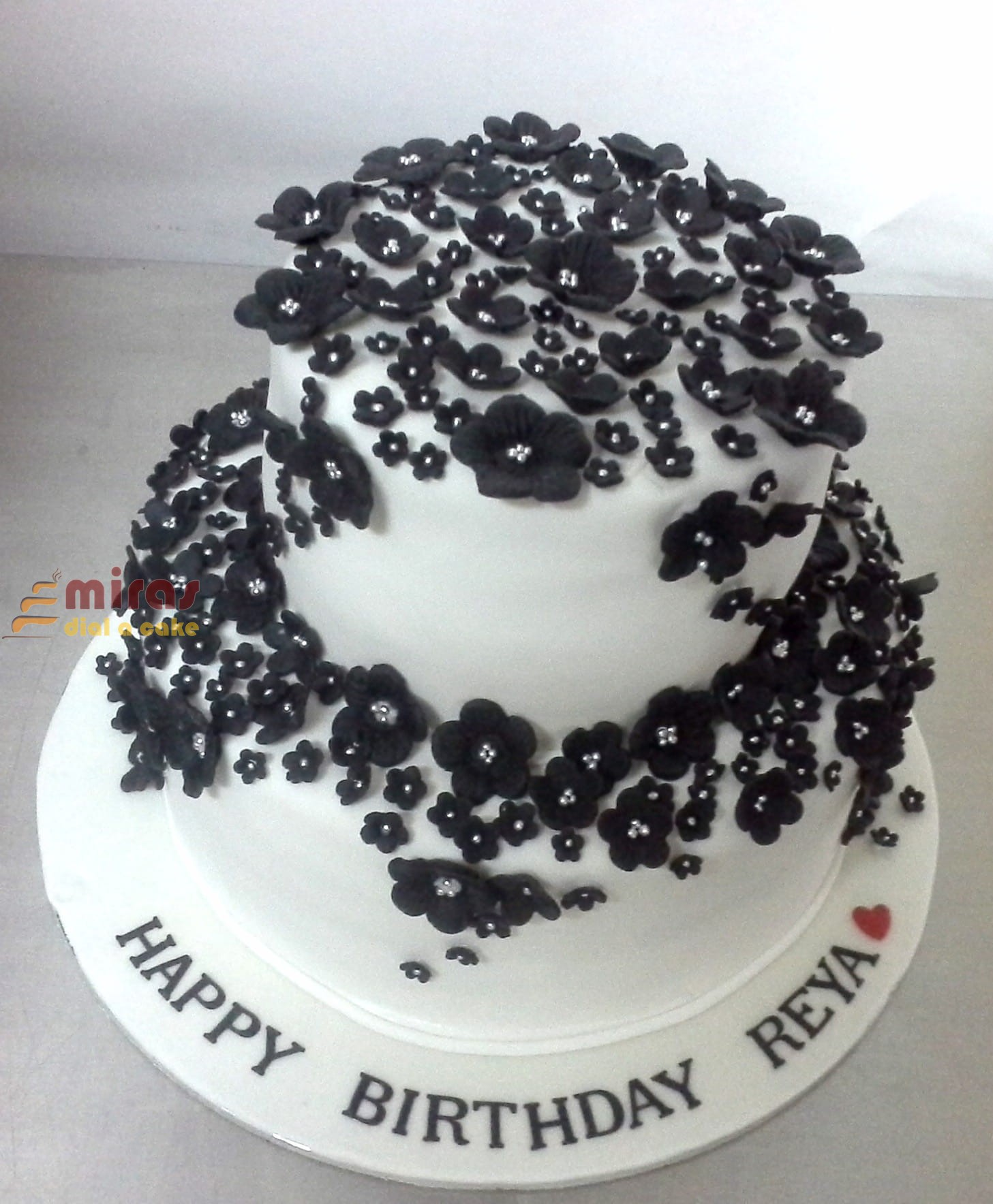 Reyas Flower Birthday Cake 2Kg 3600