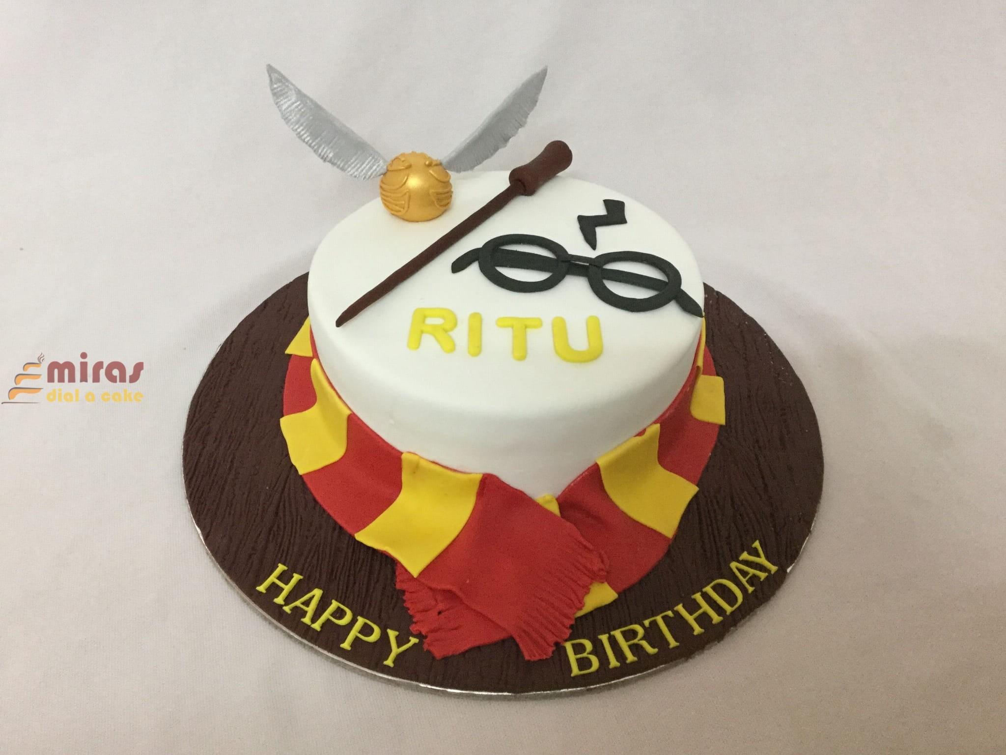 Wondrous Customized Theme Cakes For Birthday Wedding Anniversary Baby Funny Birthday Cards Online Elaedamsfinfo