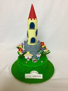Ben and Holly Castle Cake 2kgs