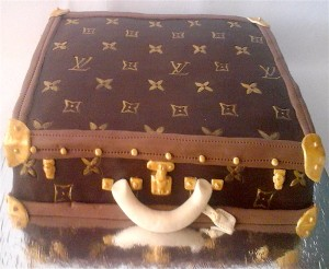 LV Suitcase  customized Cake- 3  kg