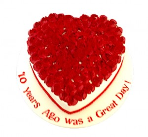 Heart shaped Red Roses Cake