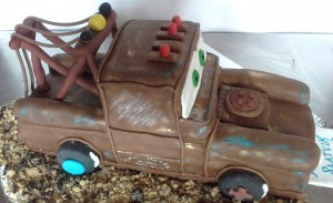 Tow Mater Sculpted Cake- 2 kg