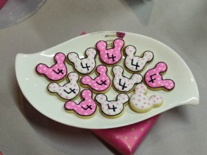 Minnie design  Cookies -Set of 20