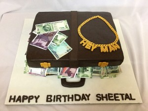 The Money Suitcase Cake 2.5kg