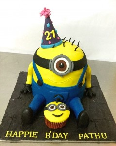 21st Birthday cake Sitting Minion theme