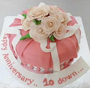 10th Anniversary Flower Cake