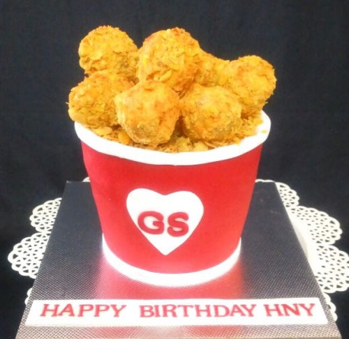 Chicken Theme Cake 1.5 Kg 2700.jpg