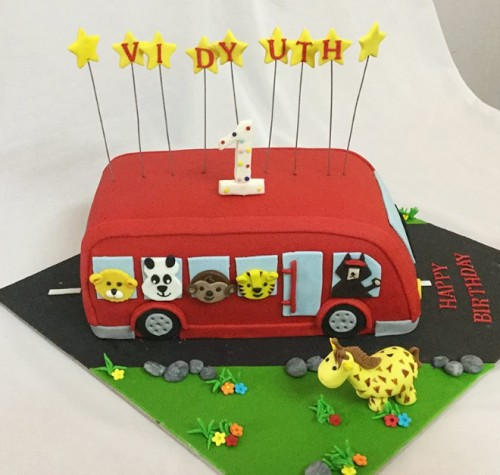 1st Birthday bus & animals theme cake.jpg